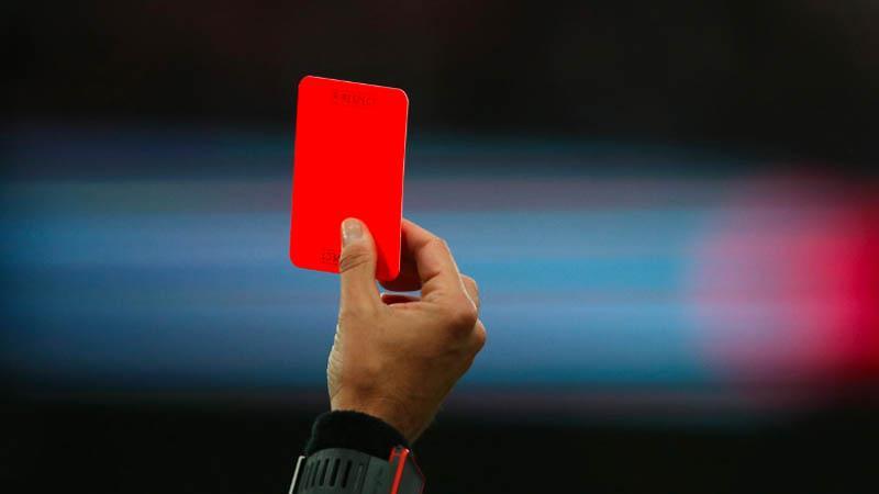Kartu Merah buat Pemain yang Sengaja Batuk ke Lawan