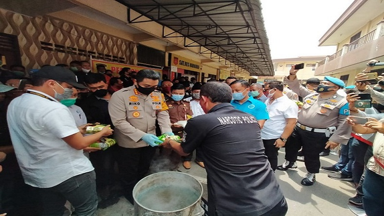 Polrestabes Medan Rebus 67 Kg Sabu dan 10 Ribu Pil Ekstasi