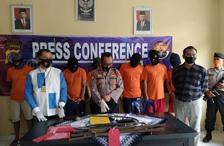 Curi Besi Ulir karena Gaji Telat Dibayar, 7 Pekerja Proyek di Yogyakarta Ditangkap Polisi