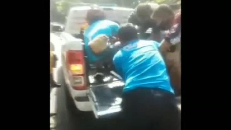 Ibu Tewas Ditabrak Truk di Pasuruan, Anak Selamat setelah Terlempar ke Kiri Jalan
