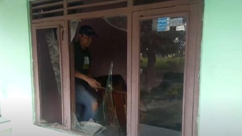 Belasan Rumah Rusak Terdampak Ledakan Pabrik Bioetanol yang Terbakar di Mojokerto