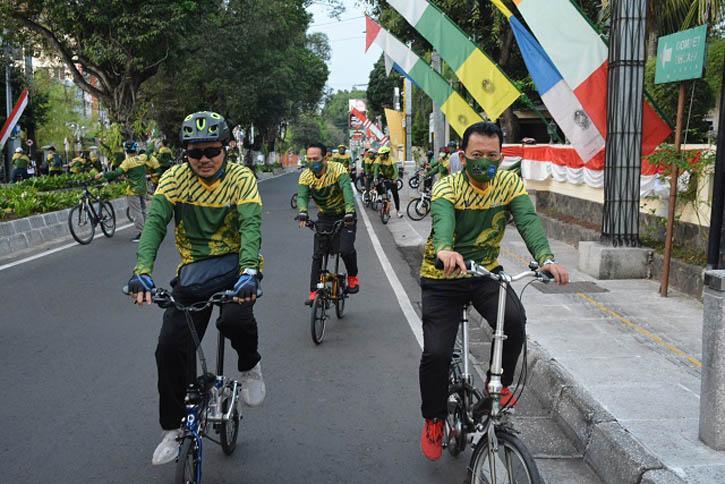 Bersepeda, Wawali Yogyakarta Cek Protokol Kesehatan di Pasar Tradisional