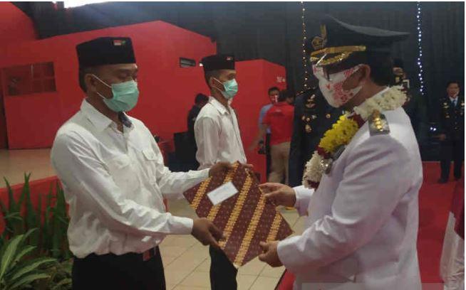 527 Napi Lapas Narkotika Cirebon Dapat Remisi HUT ke-75 RI