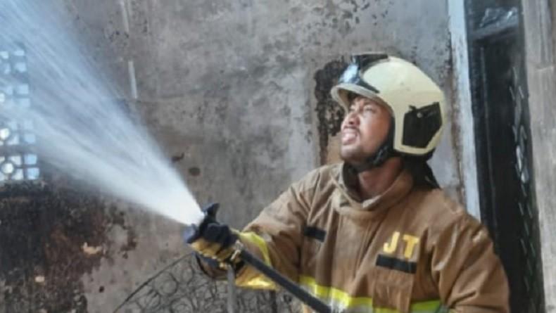 Kebakaran Bedeng di Cakung Selasa Pagi, 5 Mobil Damkar Dikerahkan