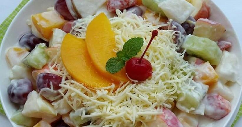 Ide Membuat Salad Buah Dengan Keju Parut Tambah Segar Pakai Lemon