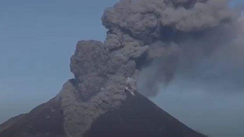 Gunung Sinabung Erupsi Minggu Pagi, Muntahkan Awan Panas Setinggi 1.500 Meter