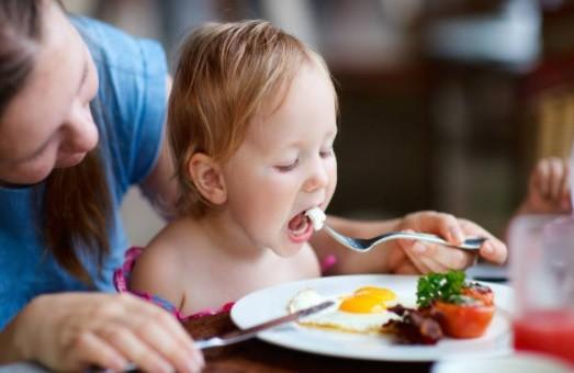 Susah Ajak Anak Makan Sehat? Ini Tips dari Psikolog