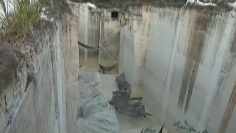 Tali Sling Pengaman Putus, Pekerja Tambang Ilegal di Tuban Jatuh ke Jurang Sedalam 40 Meter