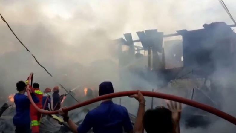 Kawasan Permukiman Warga di Istiqlal Manado Terbakar, 8 Rumah Ludes Dilalap Api