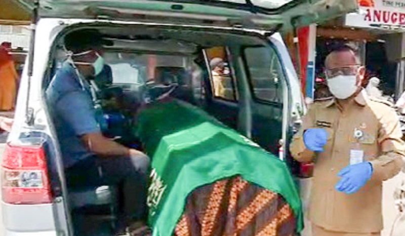 Disanksi Masuk Ambulans dan Peti Mati, Warga Probolinggo Ini Ketakutan dan Kabur