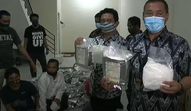 BNNP Jatim Gerebek Gudang Narkoba di Surabaya, 8 Kg Sabu Disita