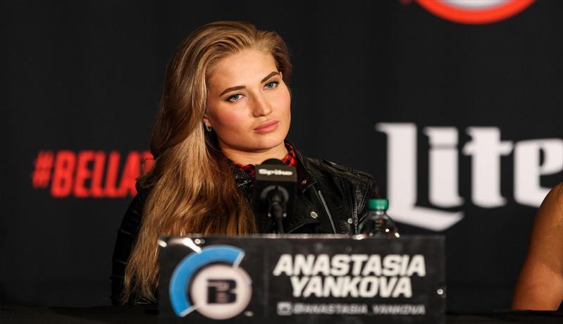 Bukan Ronda Rousey, Ini Atlet MMA Cantik yang Banyak Dikagumi Kaum Adam