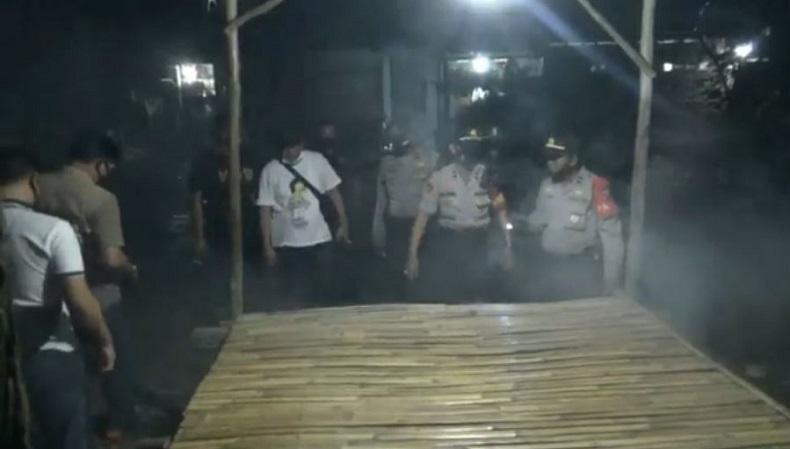 Asyik Makan, Penjaga Malam di Palembang Dibacok Teman hingga Tewas