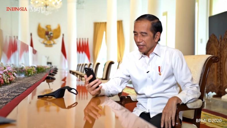 Ketika Guru di Padang Video Call dengan Presiden Jokowi