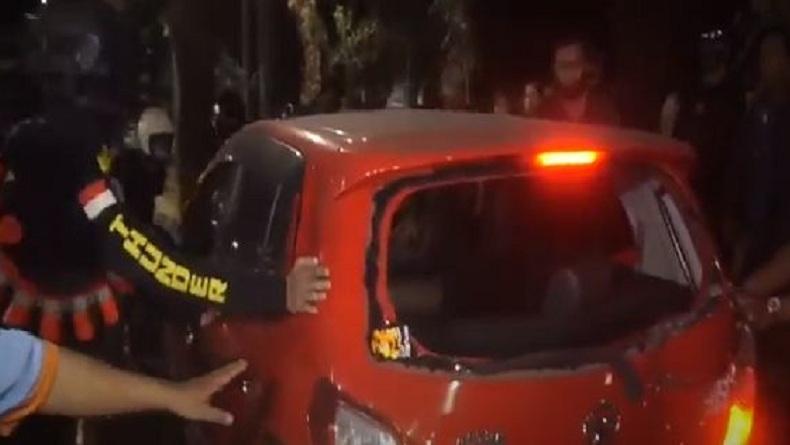 Rem Blong, Pengemudi Perempuan Tabrak Pengendara Motor dan Pohon di Makassar