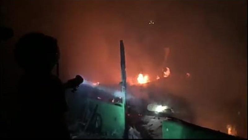 1 Rumah di Madiun Ludes Terbakar, Warga Dengar 10 Kali Ledakan