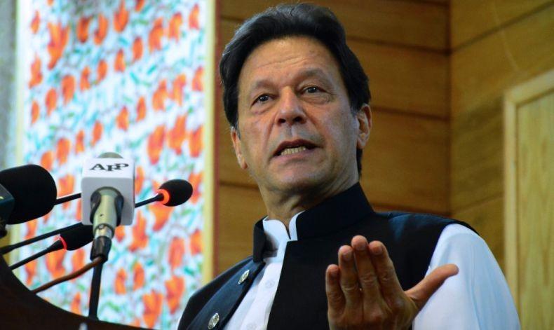 PM Pakistan Imran Khan Menangkan Mosi Percaya dari Parlemen