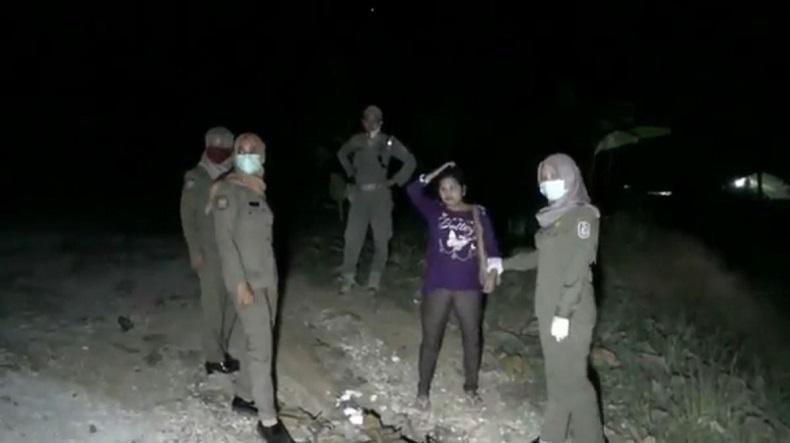 Prostitusi Alam Terbuka di Tuban Digerebek, 2 Nenek-Nenek PSK Diamankan