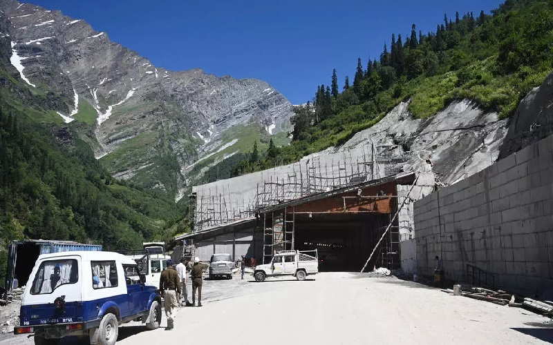 India Bangun Terowongan Tembus Gunung untuk Mobilitas Militer ke Perbatasan China