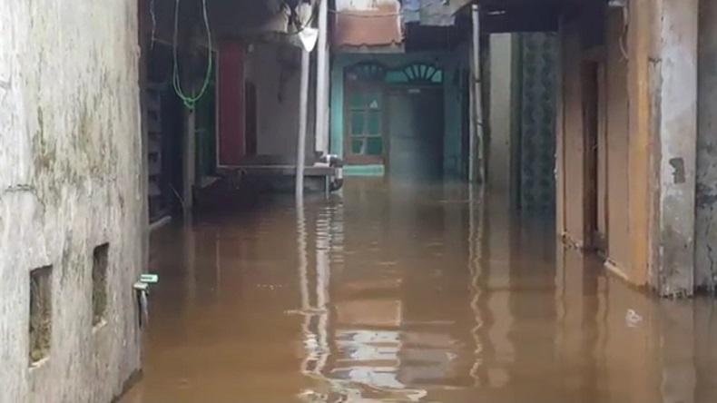 Jakarta Banjir, Sampah di Sungai Jakarta Barat Capai 148 Ton