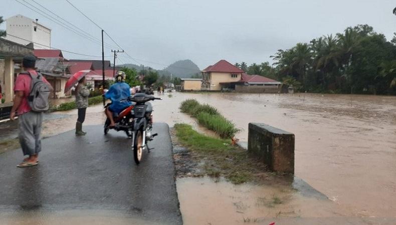 Hujan Deras sejak Rabu Siang, Sejumlah Nagari di Pesisir Selatan Dilanda Banjir
