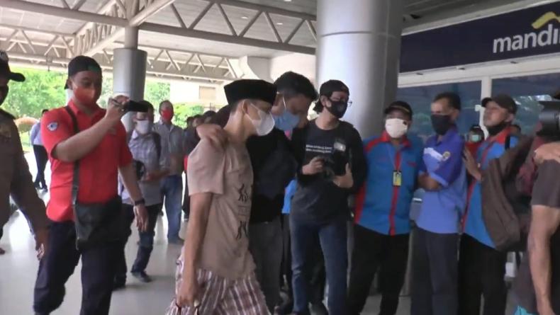 Pakai Peci, Anggota DPRD Palembang yang Simpan 5 Kg Sabu Diterbangkan ke Jakarta