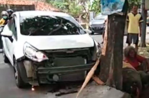 Kronologi Mobil Kia Tabrak 3 Pengemis di Tasikmalaya, 1 Orang Tewas
