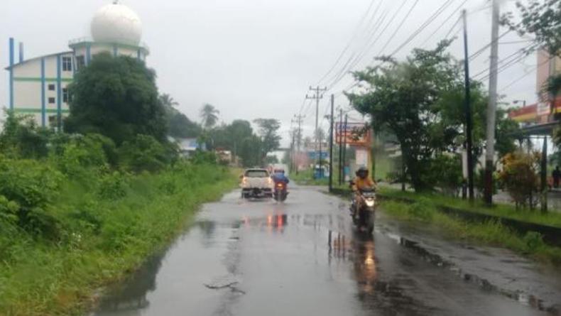 Hujan Lebat Disertai Kilat dan Petir Landa Sejumlah Wilayah Sulut
