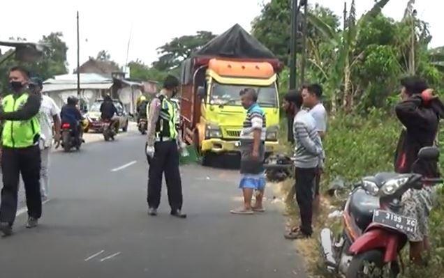 Tragis, Ibu dan 2 Anak di Jombang Tewas Ditabrak Truk, 1 Orang Kritis