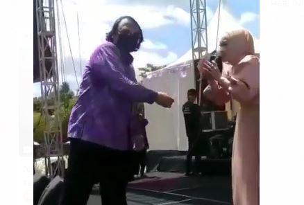Video Viral Wali Kota Tegal Dedy Yon Sawer Biduan saat Konser Dangdut Waket DPRD