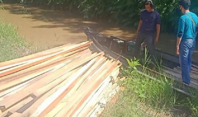 Pemilik Ratusan Potong Kayu Olahan di Kapuas Diamankan Polisi karena Tak Punya Dokumen Sah