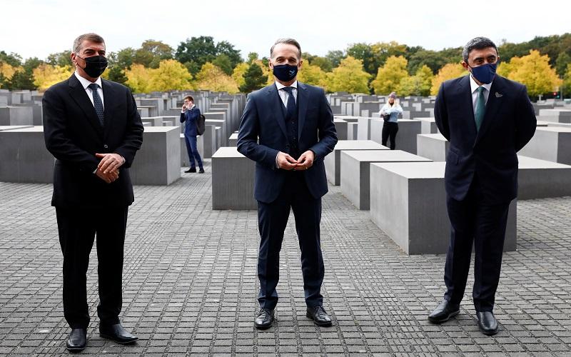 Pertemuan Bersejarah Menlu UEA dan Israel di Monumen Pembantaian Yahudi