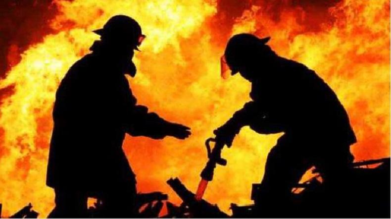 Kebakaran Hanguskan Toko Material di Jakbar Sabtu Malam
