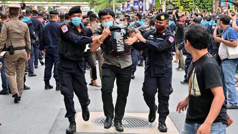 Pemerintah Thailand Pakai Semua Undang-Undang Lawan Demonstran Reformasi Negara
