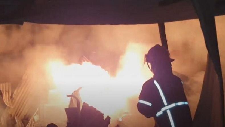 Gudang Dupa di Medan Terbakar, 5 Armada Damkar Dikerahkan untuk Padamkan Api