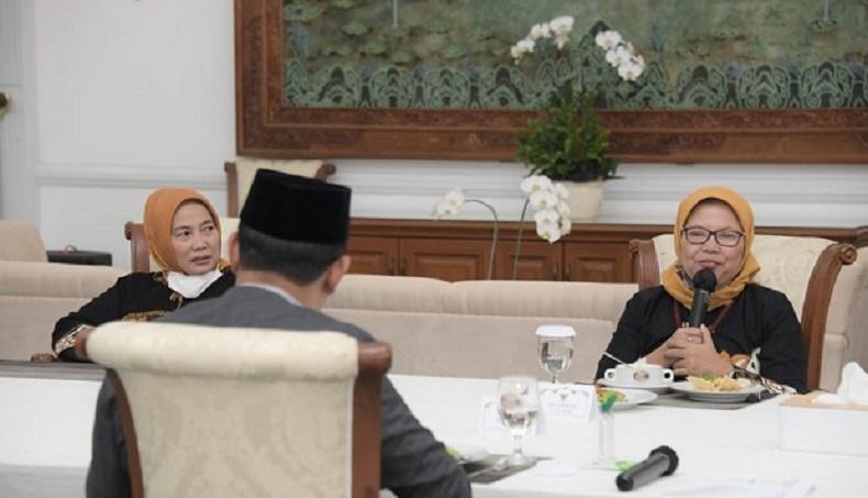 Ajak Makan Siang , Ini Pesan Ridwan Kamil ke ASN Berkinerja Terbaik