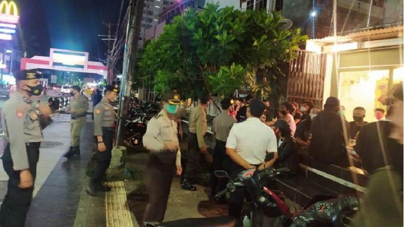 Jalan-Jalan di Sekitar Mal Tanpa Masker, 5 Warga Manado Ditegur Petugas Gabungan