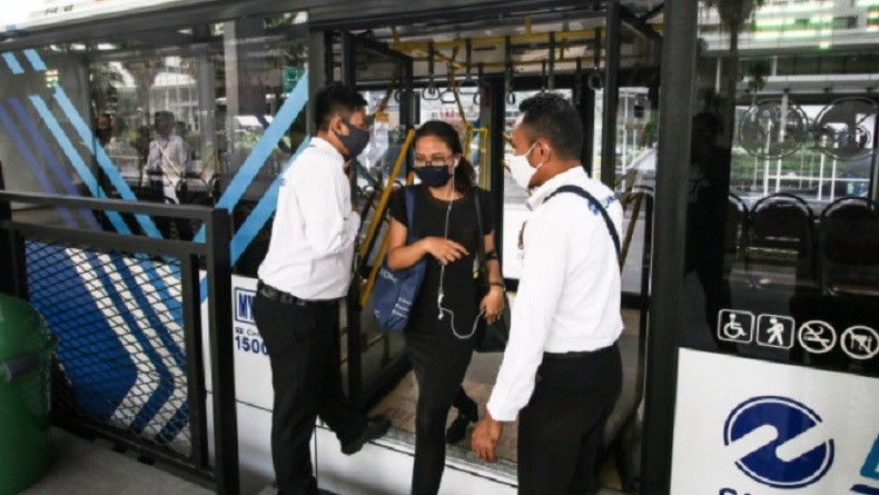 Buruh dan Mahasiswa Demo di Istana, Transjakarta Modifikasi Rute Operasional