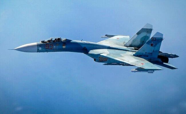 Manuver Berbahaya, Jet Tempur Rusia Hampir Tabrak Pesawat Komersial Israel