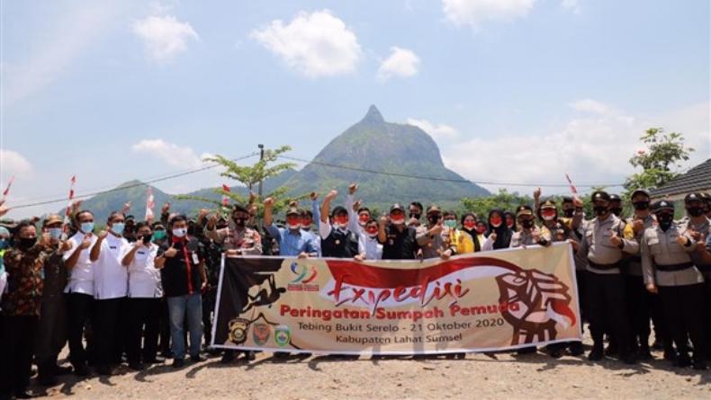 Gubernur Herman Deru Lepas Tim Ekspedisi Sumpah Pemuda ke Bukit Serelo