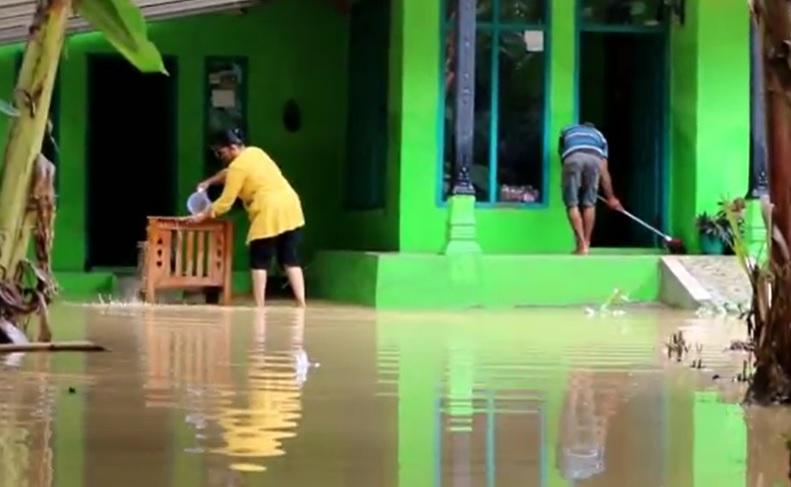 Banjir di Ciamis Rendam Ratusan Rumah Setinggi 3 Meter, Warga Sempat Mengungsi