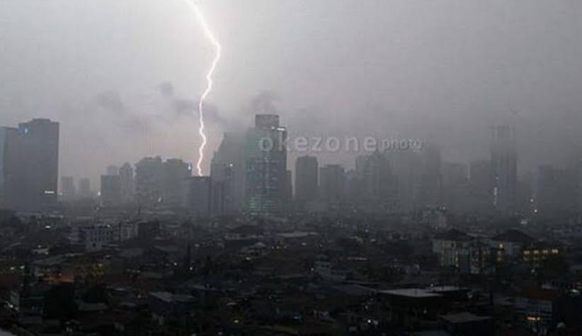Waspada, Jakarta Selatan Berpotensi Hujan Deras Disertai Petir dan Angin Kencang