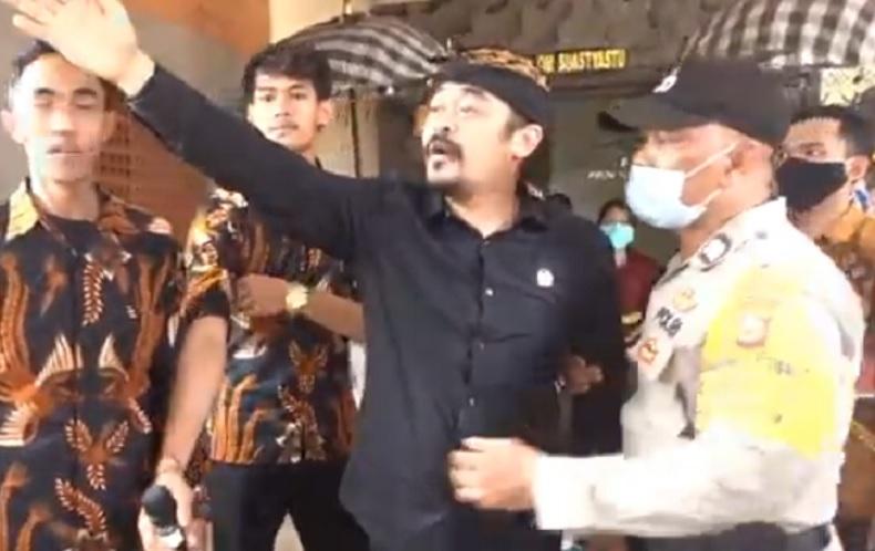 Kasus Dugaan Penistaan Agama Senator Bali Arya Wedakarna Naik ke Penyidikan