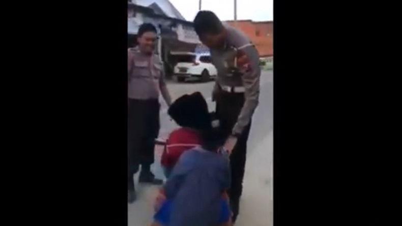 Video 3 Bocah SD Dihentikan Polisi saat Naik Motor Trail Mini di Sampang Viral