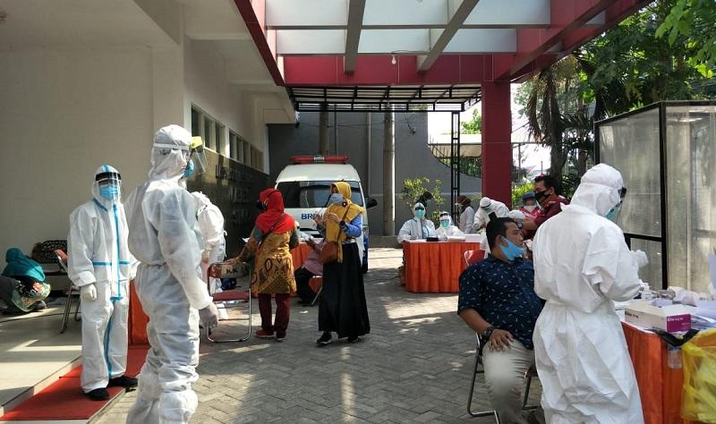 7.407 Guru SMP Selesai Tes Swab, Surabaya Siap Sekolah Tatap Muka