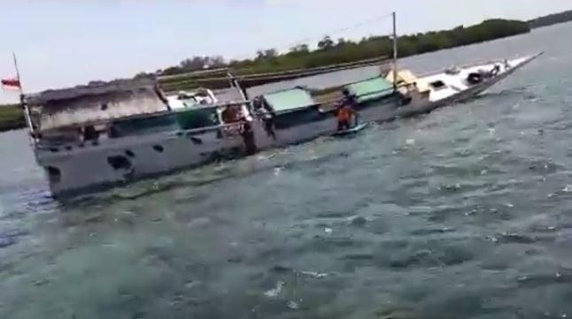 Kapal Mina Aravah Nyaris Tenggelam di Lombok Timur, 4 Penumpang Selamat