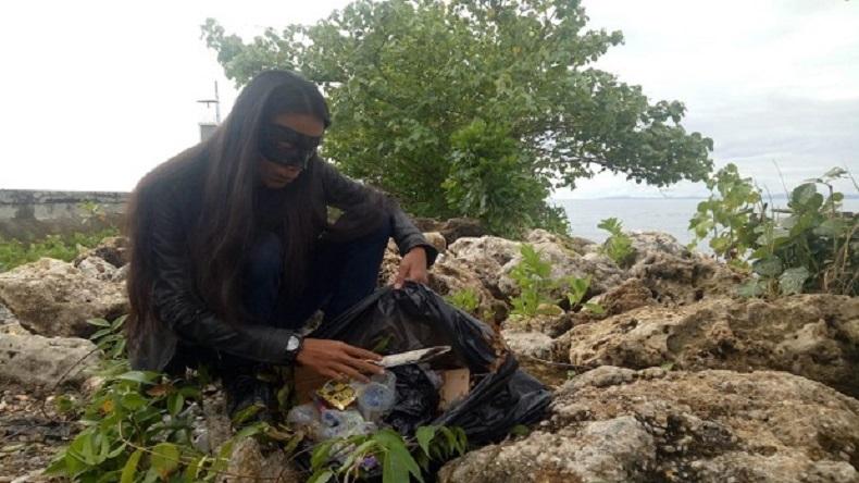 Zorro Datang ke Raja Ampat Bersihkan Sampah di Pantai Waisai Torang Cinta