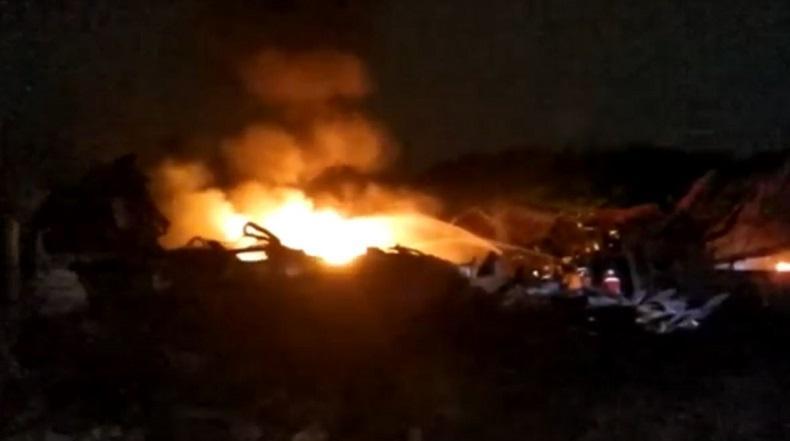Gudang Plastik di Mojokerto Terbakar untuk Ke-2 Kali, Api Diduga Berasal dari Aktivitas Pengelasan