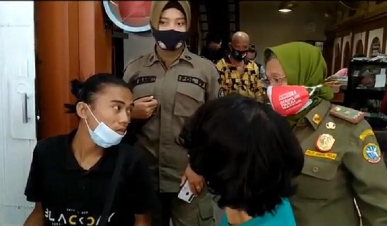 Satpol PP Menindak 200 Pengusaha Warkop di Pontianak, Total Denda Rp146 Juta