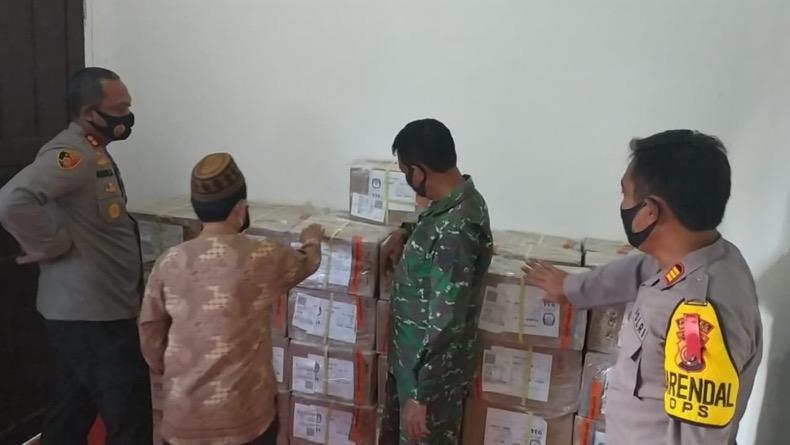 Pilkada Serentak, Kapolres Bangka Selatan Cek Keamanan Gudang Logistik KPU